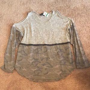 NWT Cold Shoulder Camo Shirt